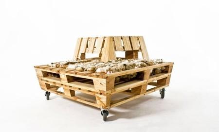 tumbona hecha con pallets