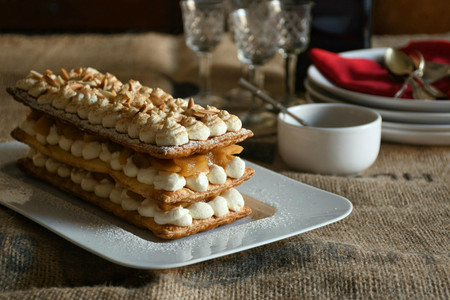 Hojaldre de manzana caramelizada y crema de mascarpone