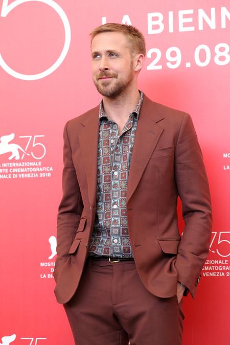 Ryan Gosling Se Adentra Al Otono Con Su Look En La Premiere De First Man En Venecia 2