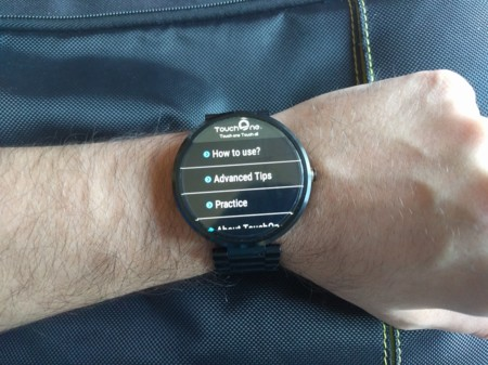 Probamos TouchOne, un teclado para Android Wear con buenas ideas pero muy decepcionante