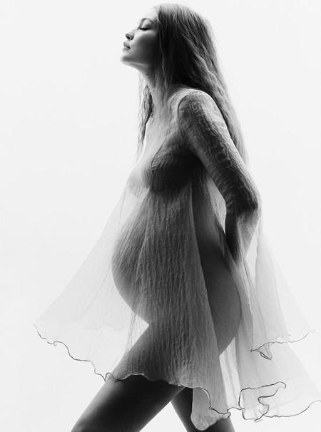 Gigi Hadid sorprende con sus primeras fotografías de embarazada (a punto de dar a luz) y el resultado es maravilloso