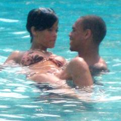 Foto 1 de 7 de la galería rihanna-en-la-piscina en Poprosa