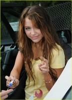 A Miley Cyrus le pide matrimonio un hombre de 53 años