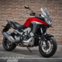 Foto 1 de 56 de la galería honda-vfr800x-crossrunner-detalles en Motorpasion Moto