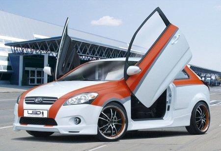 Kia pro_cee'd con puertas tipo Lamborghini
