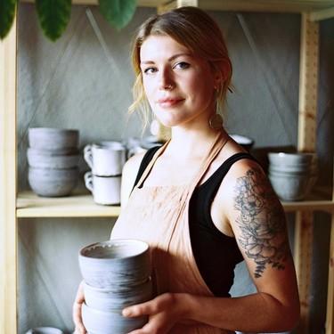 La cerámica vuelve a ser millennial: 25 artistas a quienes seguir la pista en Instagram