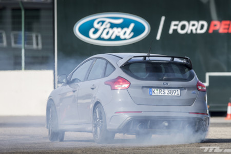 En Australia piden prohibir el modo 'Drift' del nuevo Ford Focus RS