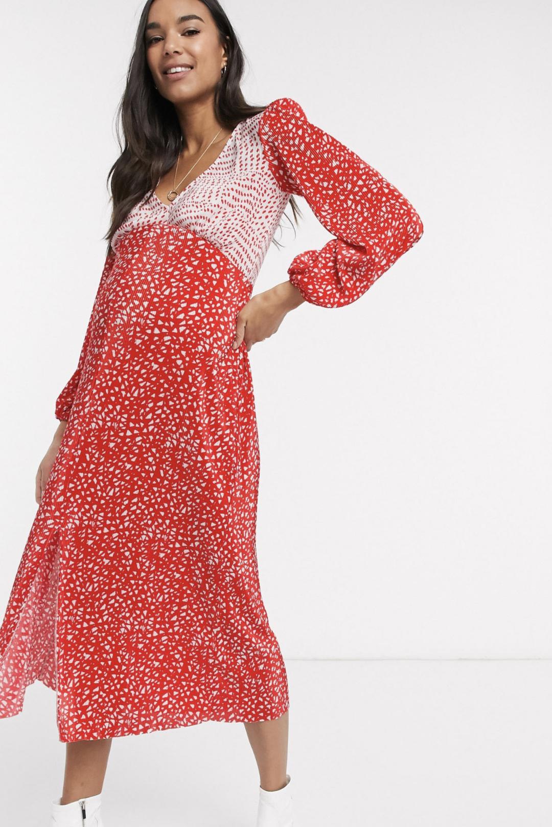 Vestido midi rojo plisado con estampado de lunares blancos de ASOS DESIGN Maternity