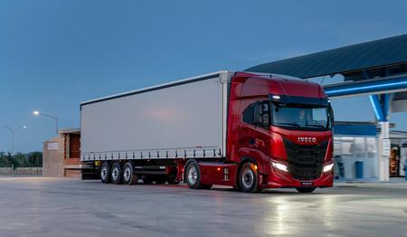 Así es el Iveco S-WAY, un camión de larga distancia que apuesta por la eficiencia y la conectividad
