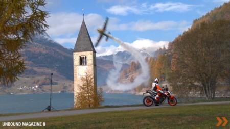 KTM Super Duke 1290 R Special Edition Vs Zivko Edge 540