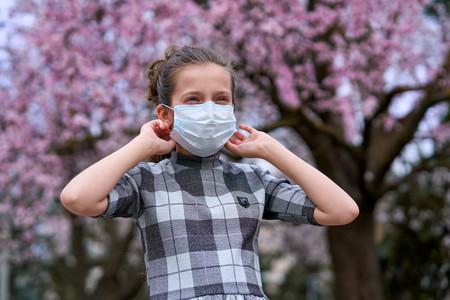 Dermatitis y picor por el uso de mascarillas: qué podemos hacer para aliviar y prevenir estas molestias en la piel del niño