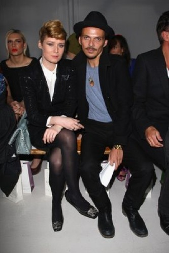 Roisin Murphy y Matthew Williamson front row de Twenty8twelve en la Semana de la Moda de Londres
