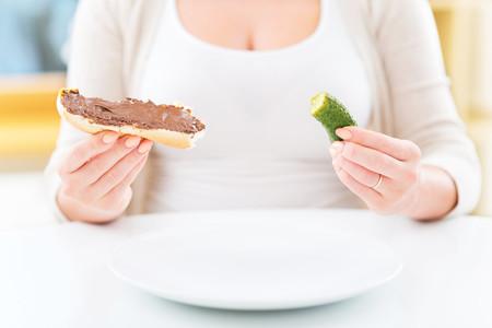Me apetecen sardinas con chocolate: así funcionan los antojos durante el embarazo