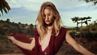 El hechizo de Rosie Huntington-Whiteley