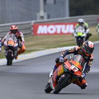Pedro Acosta ya tiene tentaciones de MotoGP y en KTM quieren asegurarse su futuro pero pasando por Moto2 en 2022
