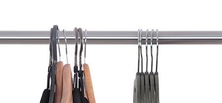 Sólo un tipo de percha es suficiente para tener tu armario en orden,  ¿cuántos tipos de perchas hay en tu armario?