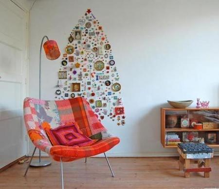 Un árbol de Navidad original en la pared motivadora