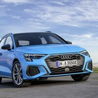 El Audi A3 Sportback 40 TFSIe híbrido enchufable llega con 65 km de autonomía y petagina CERO, desde 42.700 euros