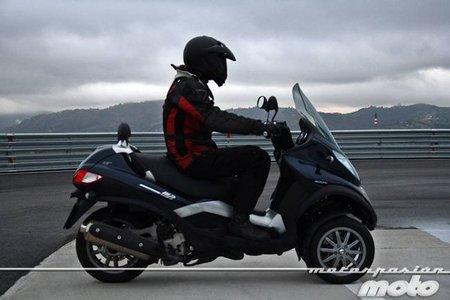 Piaggio MP3 400 LT, prueba (conducción en ciudad y carretera)