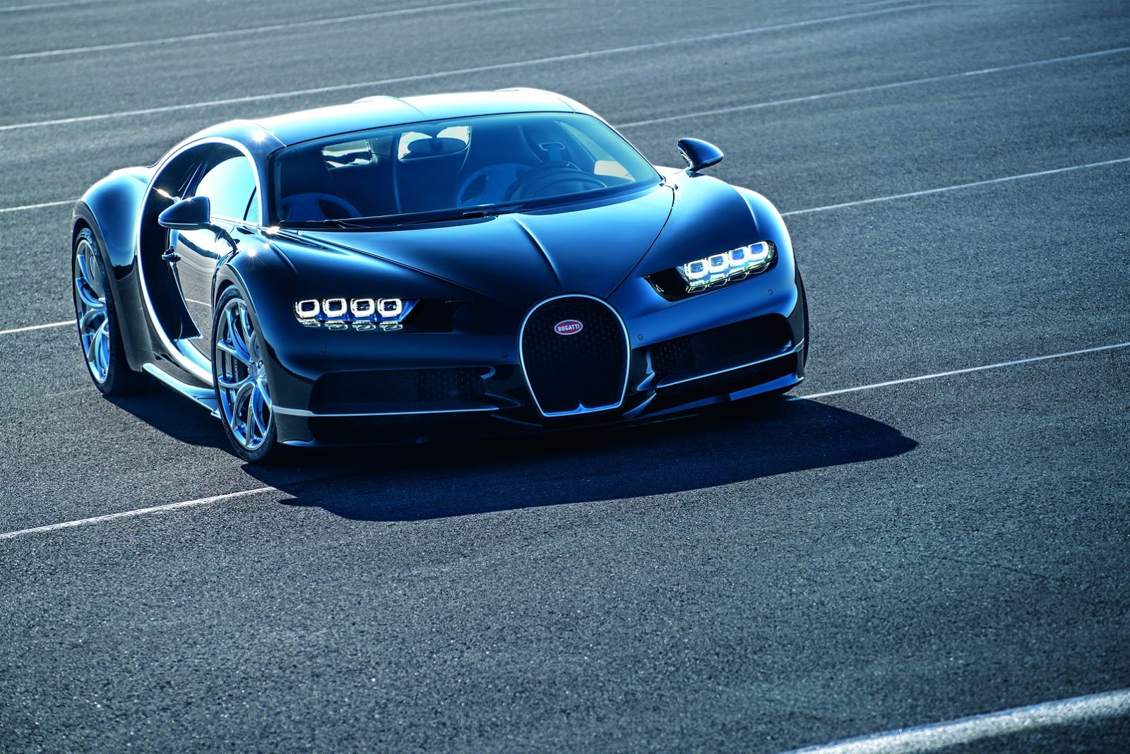 Foto de Bugatti Chiron (41/77)