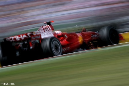 Kimi Raikkonen, a ritmo de vuelta rápida