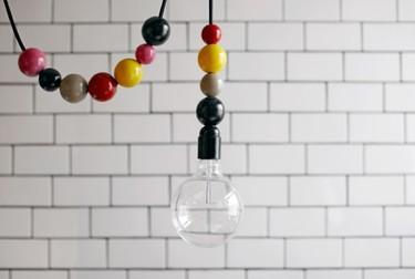 Hazlo tú mismo: decora tus cables con cuentas