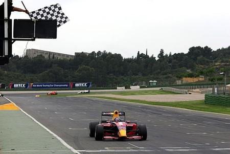 Robert Wickens dos de dos en Valencia, los españoles mejoran