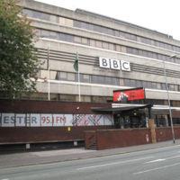 Nueva competencia para Netflix: La BBC está trabajando en un servicio de streaming de video