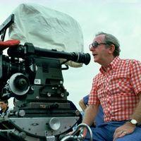 Muere a los 97 años Lewis Gilbert, director de 'Alfie' y varias aventuras de James Bond