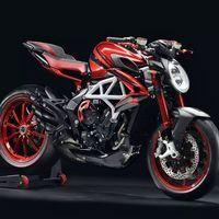 MV Agusta ha vuelto a dejar a Lewis Hamilton diseñar una moto: la Brutale 800 RR LH44 de 24.144 euros