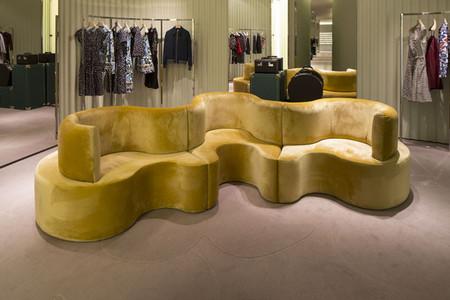 Prada recurre a la MonteNapoleone Design Experience para decorar sus tiendas durante el Salone del Mobile
