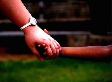 Ayudar a los demás desinteresadamente nos aporta beneficios físicos y psicológicos