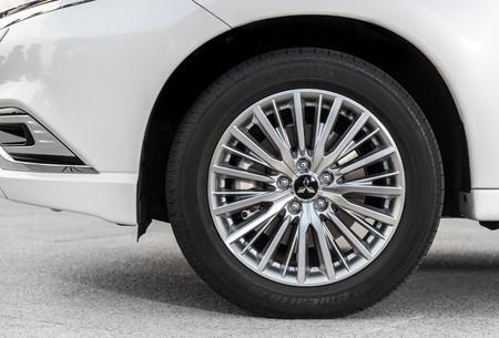 Mitsubishi Outlander PHEV 2019 llantas