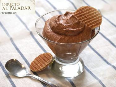 Mousse de chocolate al caramelo. Receta para el menú de Fin de Año
