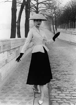 The Golden Age of Couture en el V&A Museum