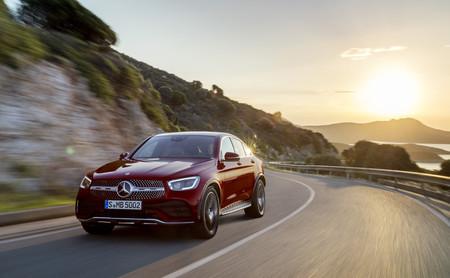 Así es el renovado Mercedes-Benz GLC Coupé 2019: misma esencia pero mild-hybrid y con interior digital