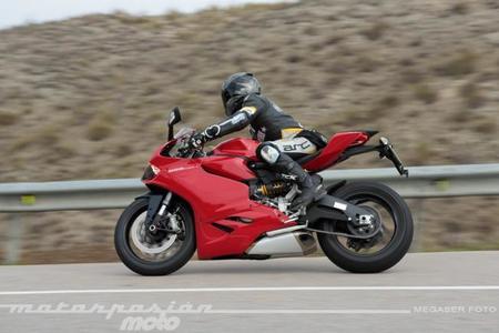 Ducati_899_panigale_megaserfoto