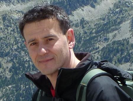 """""""Nunca decidas tu alimentación en base a los titulares"""": entrevistamos a Luis Jiménez, de 'Lo que dice la ciencia para adelgazar'"""