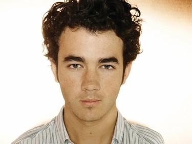 Kevin Jonas, tanto esperar para dejar de ser virgen ¿para esto...?