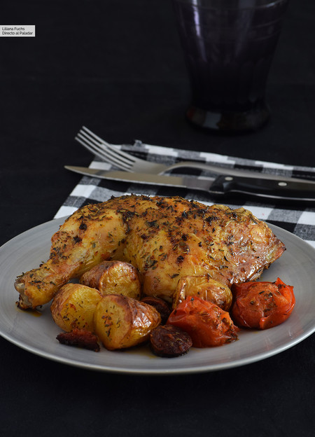 Pollo al horno con patatas y chorizo. Receta de cocina fácil, sencilla y ...