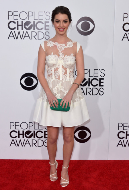 Peoples Choice Awards 2014 tendencias en vestidos de fiesta Adelaide Kane vestido blanco Rhea Costa transparencias