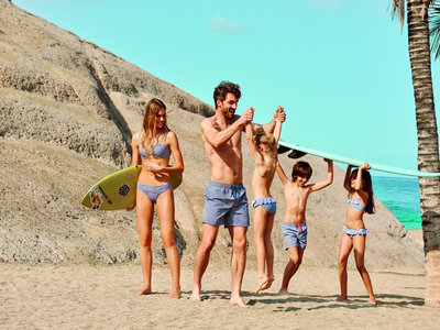 ¿A la playa con los niños? bikinis y bañadores a prueba de carreras, olas y saltos