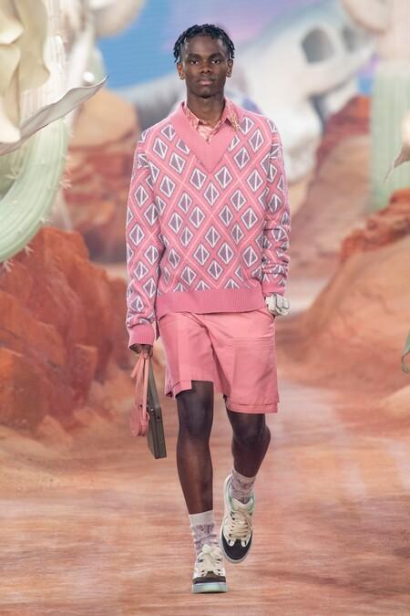 Dior Men Summer 2022 Runway Looks 13