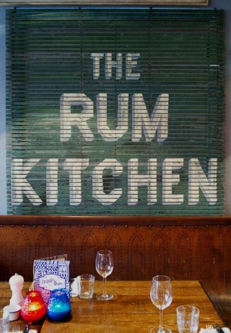 Jack Sparrow se encuentra en Londres. ¿Dónde? En The Rum Kitchen
