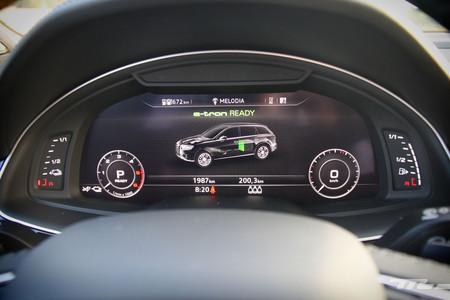 Audi Q7 e-tron cuadro mandos