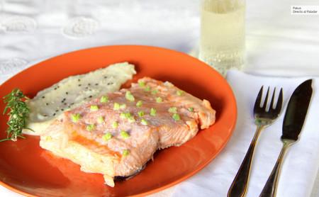 Salmón al horno con crema de apionabo, la receta fácil y elegante para las celebraciones familiares