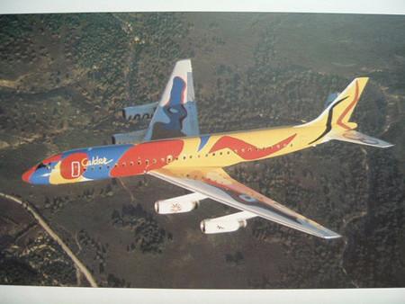 Braniff, aviones de colores