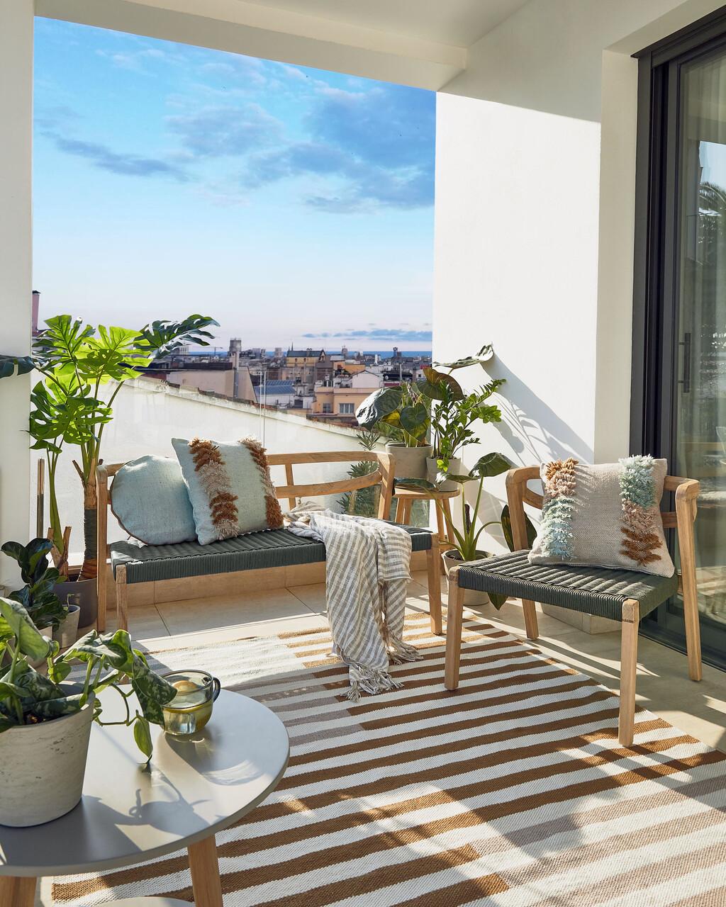 Kave Home y presenta sus nuevas colecciones para disfrutar al máximo de las terrazas, terrazas y balcones este verano