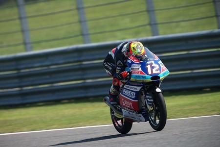 Marco Bezzecchi ataca de nuevo con una importante pole de Moto3 en Tailandia con Jorge Martín muy atrás