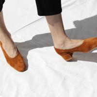 Los zapatos ideales de Cos, con cierta inspiración en Céline, que todas deberéis tener en vuestro armario